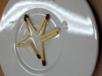 rozpínání zápalek do tvaru hvězdičky