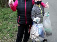 Samík - sběr odpadu s rodinou